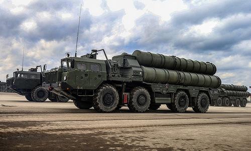 Tổ hợp phòng không S-400 của Nga. Ảnh: Sputnik.