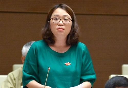 Đại biểu Phạm Thị Minh Hiền phát biểu ý kiến sáng 23/5. Ảnh: Trung tâm báo chí Quốc hội