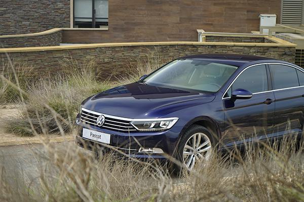 Volkswagen Passat là lựa chọn thú vị cho khách hàng trung niên.