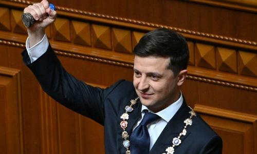 Tổng thống Ukraine Volodymyr Zelensky tuyên thệ nhậm chức hôm 20/5. Ảnh: AFP.