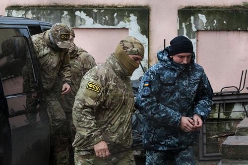 Tòa quốc tế kêu gọi Nga thả thủy thủ Ukraine - ảnh 1