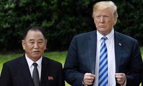 Tổng thống Mỹ Trump và Phó chủ tịch đảng Lao động Triều Tiên Kim Yong-chol (trái) và Tổng thống Mỹ Trump tại Nhà Trắng tháng 6/2018. Ảnh: AFP.