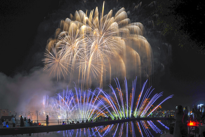 Việt Nam khai tiệc pháo hoa quốc tế trên sông Hàn