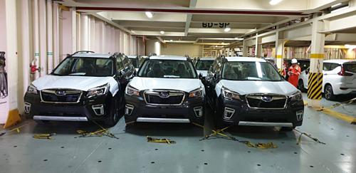 Những chiếc Subaru Forester đời mới được sản xuất tại Thái Lan trên tàu chuyểnvề Việt Nam.