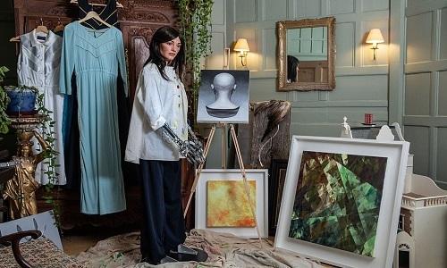 Robot họa sĩ hình người sắp mở triển lãm tranh siêu thực