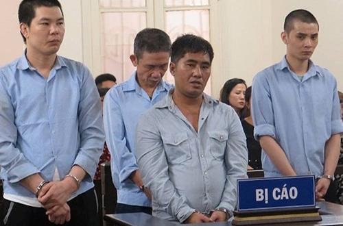 Các bị cáo tại phiên tòa sơ thẩm. Ảnh: V. Dũng.