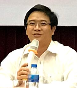 TS Thái Văn Tài chia sẻ tại hội thảo sáng 8/6.