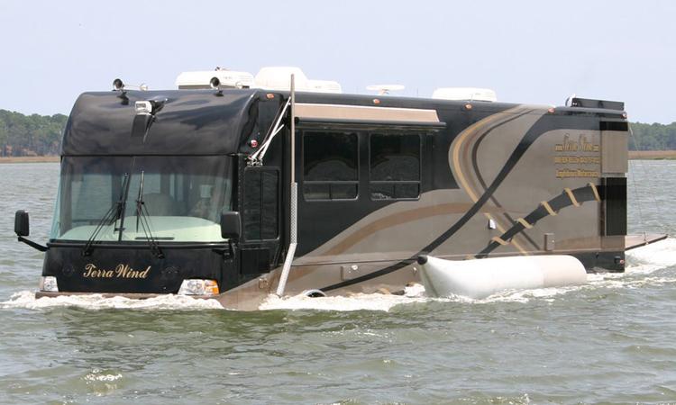 Cỗ xe 15,5 tấn có thể chạy trên mặt nước - VnExpress