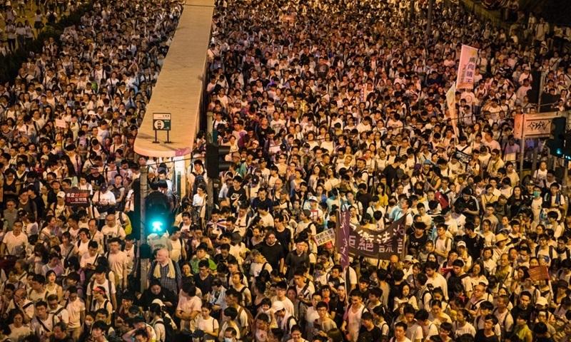 Người Hong Kong tràn kín đường phản đối dự luật dẫn độ sang Trung Quốc - VnExpress