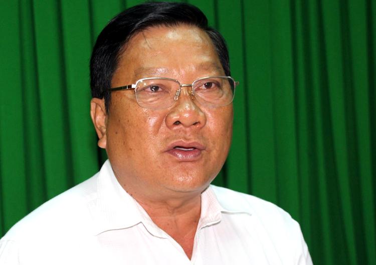 Phó ch.ủ t.ịch UBND tỉnh Sóc Trăng Lê Văn Hiểu tại buổi họp báo. Ảnh: Hoàng Hạnh.