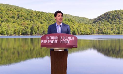 Thủ tướng  Justin Trudeau trong bài phát biểu hôm thứ Hai. Ảnh: Vice.