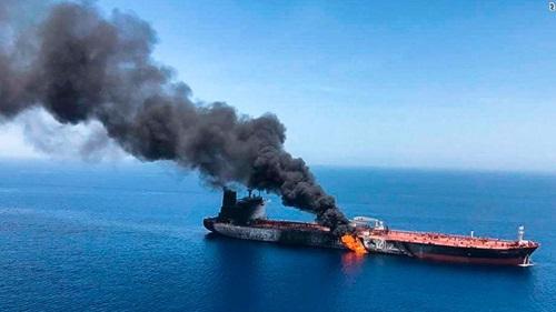 Mỹ có 'bằng chứng' Iran gỡ thủy lôi từ tàu dầu ở Vịnh Oman