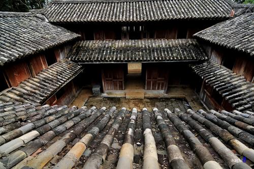 Hà Giang xem xét chia phí tham quan di tích với hậu duệ vua Mèo -