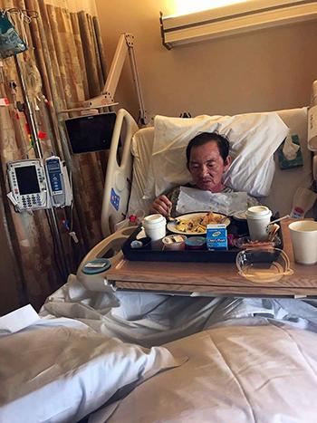 Ông Tu Le tại bệnh viện Good Samaritan,thành phố San Jose, bang California, Mỹ, tháng 3/2018. Ảnh: SFC