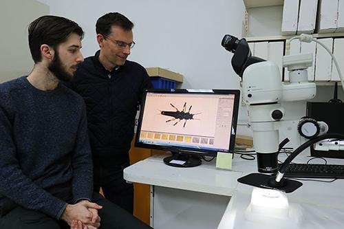 Các tác giả nghiên cứu: Brodie Foster (trái) và Giáo sư Jon Waters. Ảnh:Đại họcOtago.