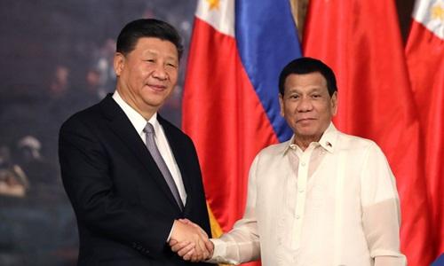 Nghị sĩ Philippines kêu gọi Duterte hạ cấp quan hệ ngoại giao với Trung Quốc - ảnh 1