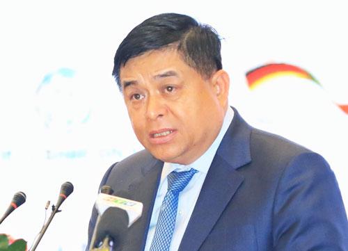 Bộ trưởng Nguyễn Chí Dũng phát biểu tại hội nghị. Ảnh: Hữu Khoa.
