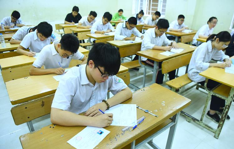 Tuyển thí sinh 3 điểm mỗi môn, trường học phải có nhiều giải pháp -