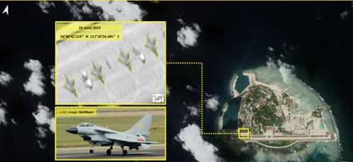 Ảnh vệ tinh cho thấy 4 chiến đấu cơ J-10 của Trung Quốc đậu trên đảo Phú Lâm của Việt Nam. Ảnh: ImageSat.