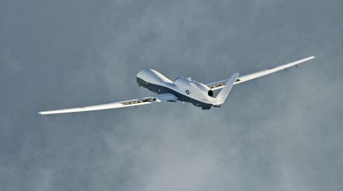 Mỹ xác nhận máy bay trinh sát không người lái bị Iran bắn rơi - ảnh 1
