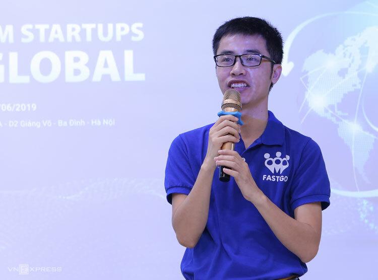 Ông Nguyễn Hữu Tuất chia sẻ kinh nghiệm tại hội thảo.