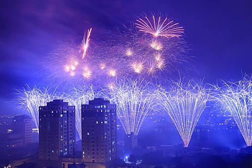 Màn pháo hoa của đội Anh tối 22/6. Ảnh: Nguyễn Đông.