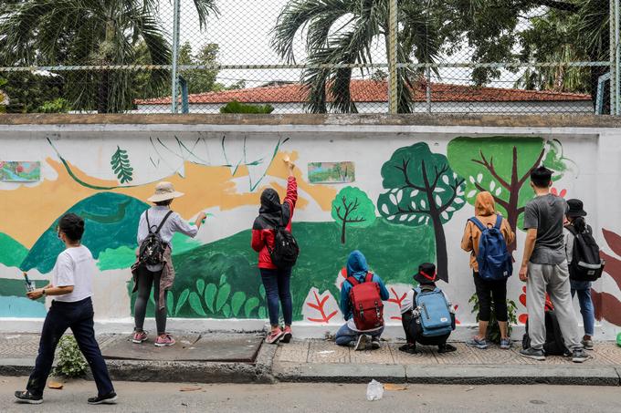 200 người vẽ tranh bảo vệ động vật hoang dã trên đường phố Sài Gòn