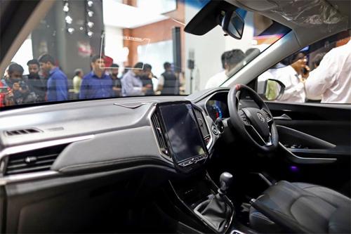 MG Hector có 50 đặc điểm kết nối. Ảnh: Bloomberg