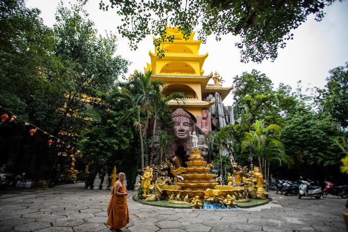 Ngôi chùa đá 'năm không' ở Sài Gòn