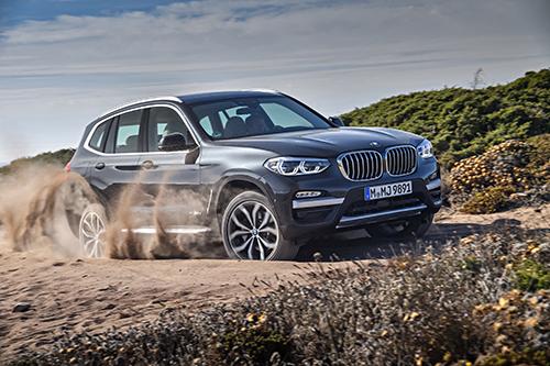 BMW X3 cho khả năng vận hành linh hoạt trên nhiều loại địa hình.
