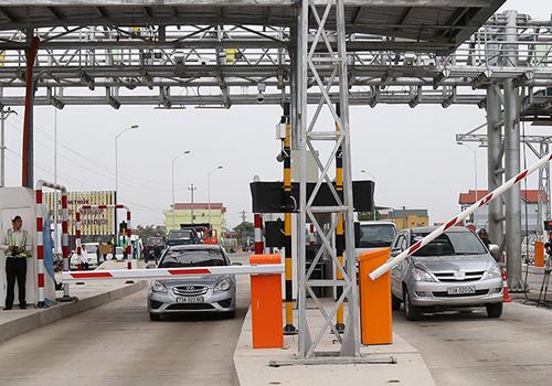 Nhiều trạm BOT trên quốc lộ 1đã có làn thu phí không dừng. Ảnh: Hoàng Táo.