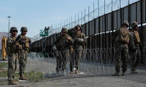 Hai lính Mỹ bị truy tố vì đưa người vượt biên trái phép - ảnh 1