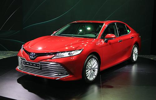 Toyota Camry nhập khẩu Thái Lan trong sự kiện ra mắt hôm 23/4 tại Vĩnh Phúc. Ảnh: Đức Huy