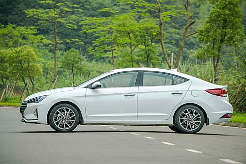 Hyundai Elantra bản nâng cấp tại Việt Nam. Ảnh: HTC