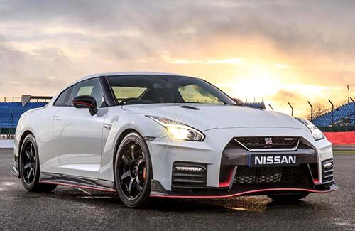 Xe Nissan GT-R