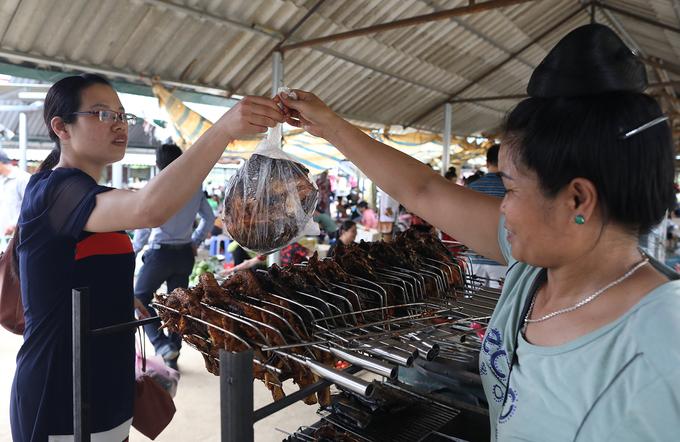 Chợ côn trùng ở vùng cao Tây Bắc
