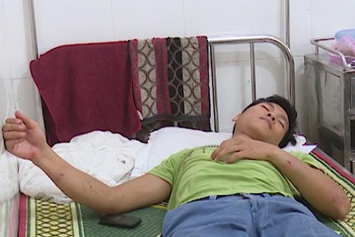 Kiểm lâm viên bị thương, nhập viện cấp cứu trong đêm. Ảnh:H.Ph