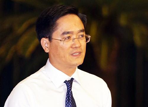 Giám đốc Sở GTVT TP HCM Trần Quang Lâm trả lời chất vấn. Ảnh: Hữu Khoa