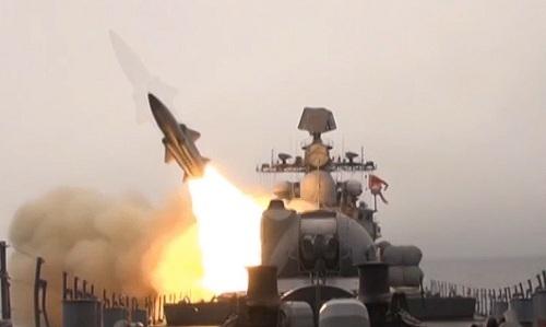 Tàu chiến Nga đồng loạt phóng tên lửa diệt mục tiêu trên biển