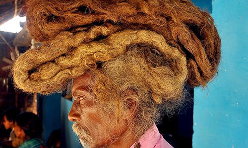 Dị nhân Ấn Độ không cắt tóc, gội đầu suốt 40 năm để giữ 'phước lành'