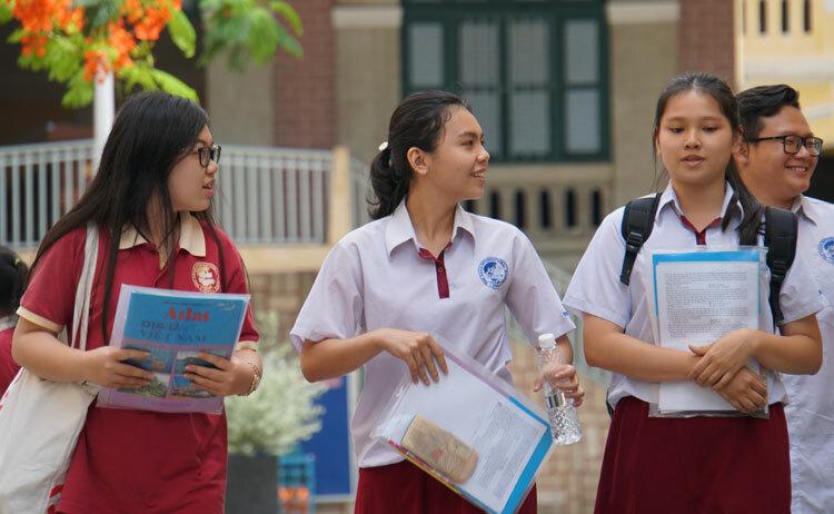 Điểm sàn Đại học Kinh tế TP HCM là 17-19