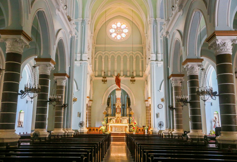Nhà thờ trăm tuổi của ông ngoại Nam Phương hoàng hậu ở Sài Gòn