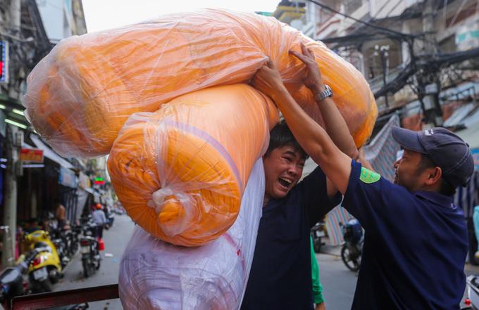 Chợ vải 30 năm tuổi lớn nhất Sài Gòn