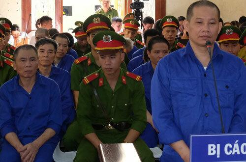 Nhiều cựu quan chức Sơn La hầu tòa - ảnh 1