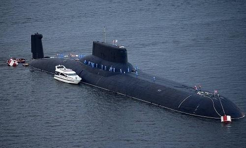 Tàu ngầm hạt nhân hạng nặng Dmitry Donskoi của Nga. Ảnh: TASS.