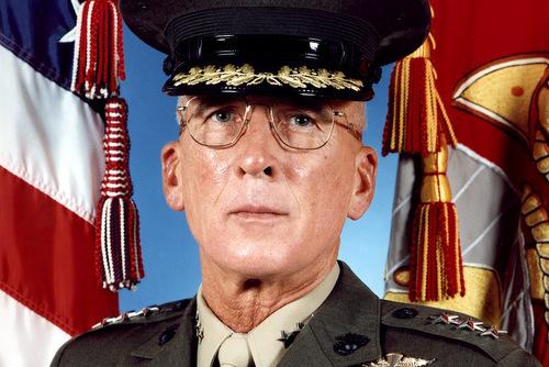 Tướng Paul Van Riper. Ảnh: USMC.