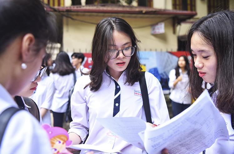 Thí sinh dự thi THPT quốc gia tại Hà Nội. Ảnh: Giang Huy