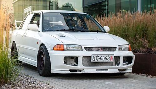 Mitsubishi Lancer 1992. Ảnh: Car Throttle