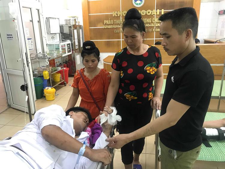 Anh Lường Văn May tại Bệnh viện đa khoa tỉnh Hải Dương. Ảnh: Gia Chính