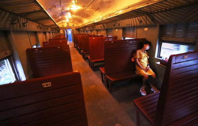 Chuyến tàu Hà Nội - Quảng Ninh rời ga với một hành khách